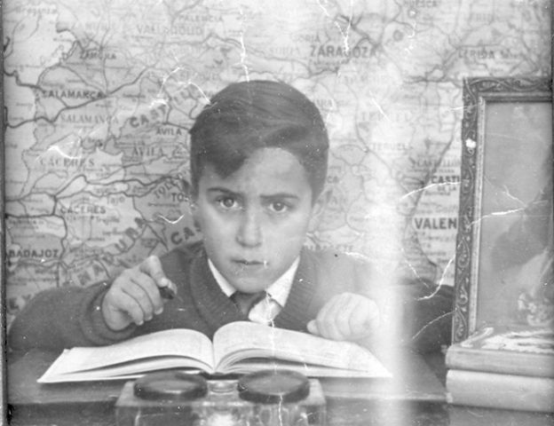 """Joaquín Brotóns en el: """"Colegio Sagrado Corazón"""", en Valdepeñas. Hacia1957."""