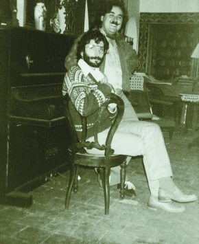 De izda a dcha: el pintor, paisano y amigo Vicente Nello y Joaquín Brotóns Peñasco. Valdepeñas, 1982.