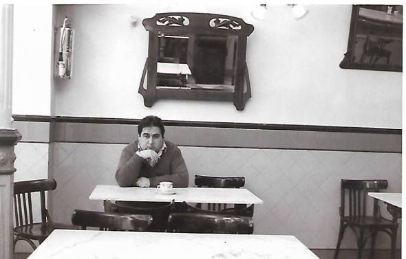 Joaquín Brotons Peñasco en el Café Local, de Valdepeñas. Años 90. Foto: José Luis Pardo.